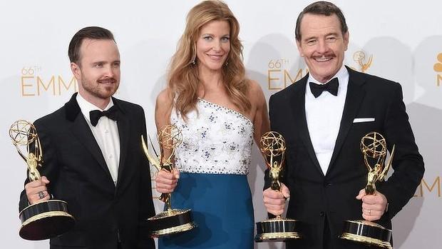 Aaron Paul, Anna Gunn & Bryan Cranston - Emmy Awards 2014